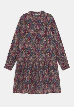 NKFVINAYA LONG DRESS - Robe chemise - persian red
