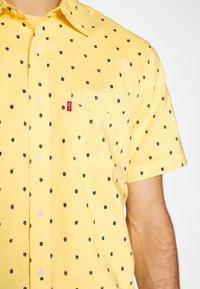 Levi's® - SUNSET STANDARD - Camicia - yellow - 6