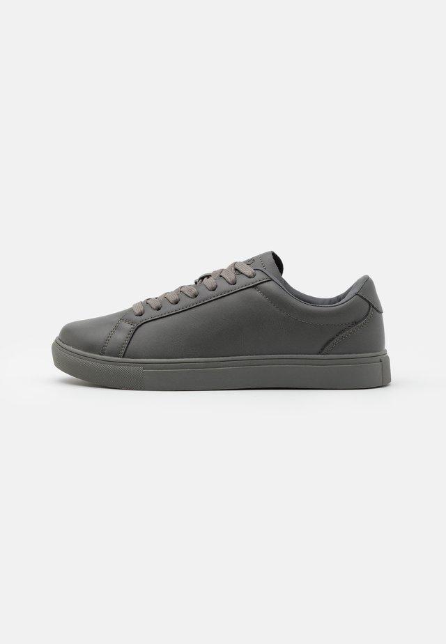 DALE - Sneakers laag - grey
