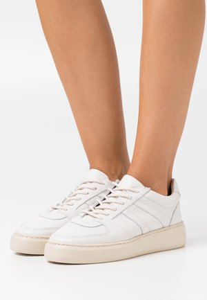 Baskets basses - offwhite