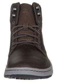 Cat Footwear - COLFAX - Šněrovací kotníkové boty - dark brown - 2