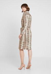 ICHI - IXVERO - Shirt dress - tapioca - 2