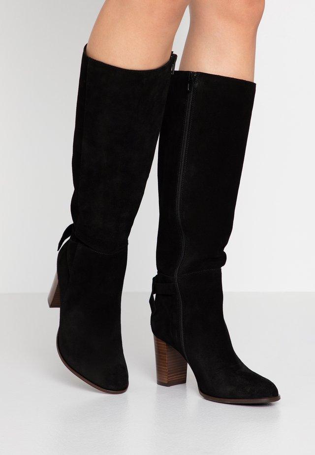 AULIKATA - Vysoká obuv - black