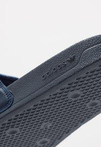 adidas Originals - ADILETTE LITE - Ciabattine - conavy/ftwwht/conavy - 5