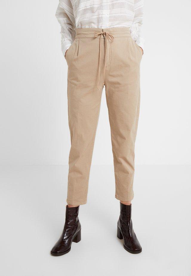 LEVEL - Pantalon classique - sand