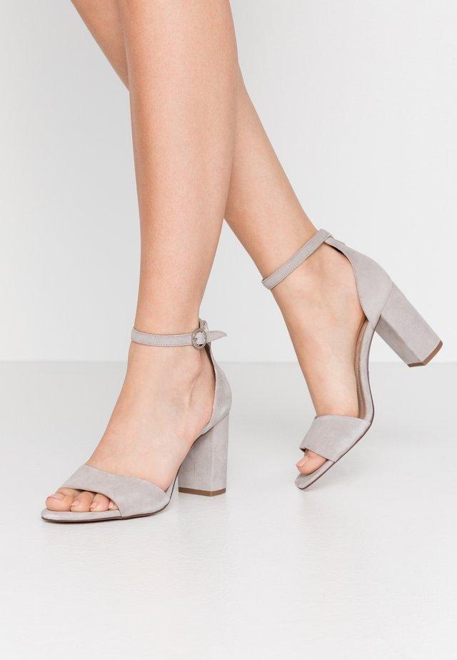 SILVANA EVO - Sandalias - light grey