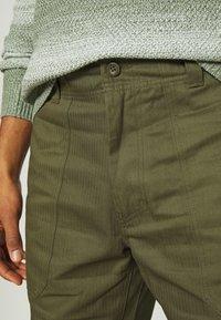 Dickies - FUNKLEY - Trousers - military green - 5