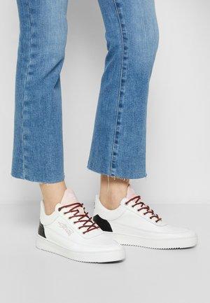 LOW EVA MIX - Sneakers basse - white/pink
