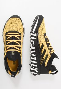adidas Performance - TERREX TWO ULTRA PARLEY - Laufschuh Trail - solar gold/core black/footwear white - 1