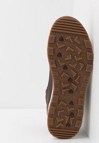 Lacoste - URBAN BREAKER - High-top trainers - dark brown/offwhite - 4