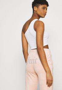 Juicy Couture - TINA - Trainingsbroek - pale pink - 4