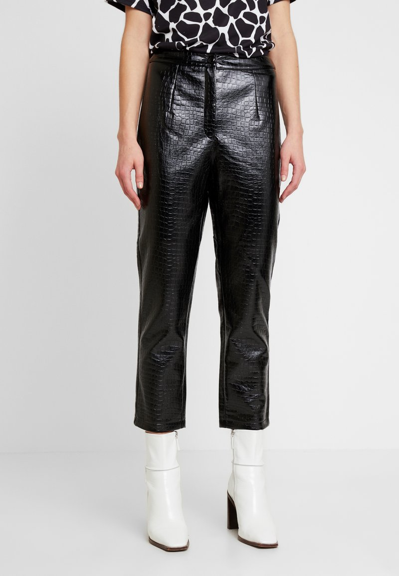 EDITED - KANI PANTS - Broek - schwarz