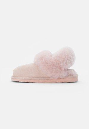 HELSINGBORG - Slippers - pink