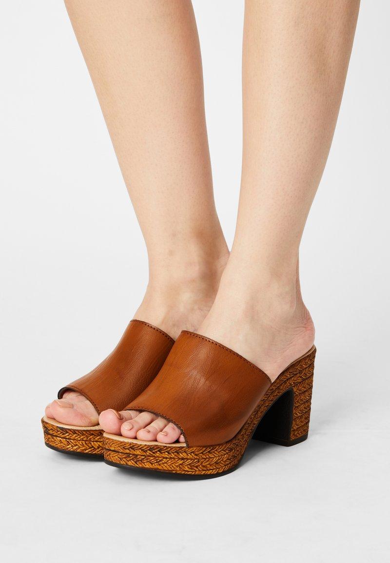 Tata Italia - Heeled mules - brown