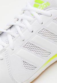 adidas Performance - TOP SALA - Indoor football boots - footwear white/signal green - 5