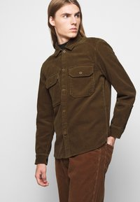 CLOSED - ARMY OVER SHIRT - Chemise - chocolate brown - 4