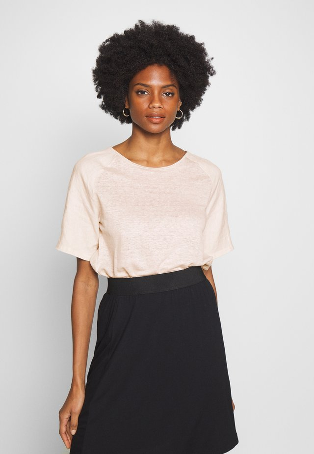 Blusa - taupe