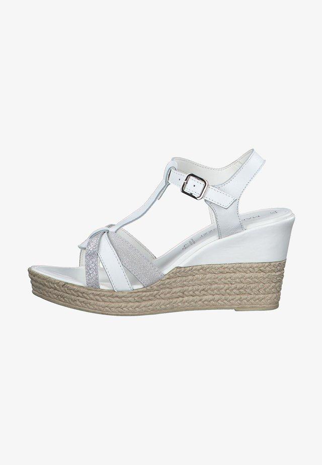 Sandály na klínu - white comb