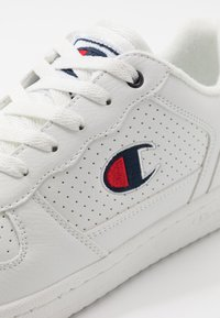 Champion - LOW CUT SHOE CHICAGO - Matalavartiset tennarit - white - 5