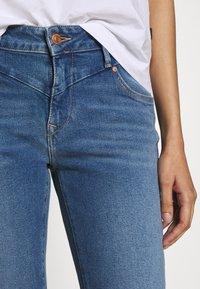Mavi - ADRIANA ANKLE - Jeans Skinny Fit - mid frayed denim - 3