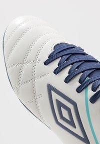Umbro - MEDUSÆ III CLUB FG - Astro turf trainers - white/medieval blue/blue radiance - 5