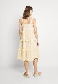 YAS - YASGEMMA STRAP MIDI DRESS  - Day dress - eggnog/marigold - 2