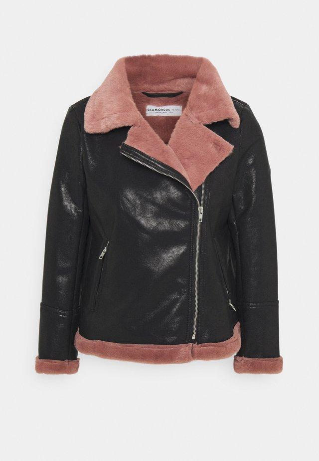 LADIES COAT - Giacca in similpelle - black/pink