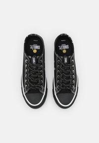Rubi Shoes by Cotton On - VEGAN BILLIE RETRO RISE - Sneakers laag - black - 5