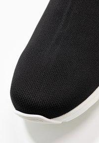Versace - ALTA CALZINO  - High-top trainers - nero/bianco - 5