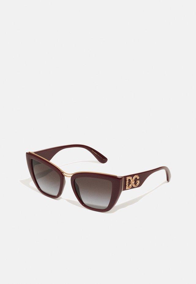 Sluneční brýle - bordeaux