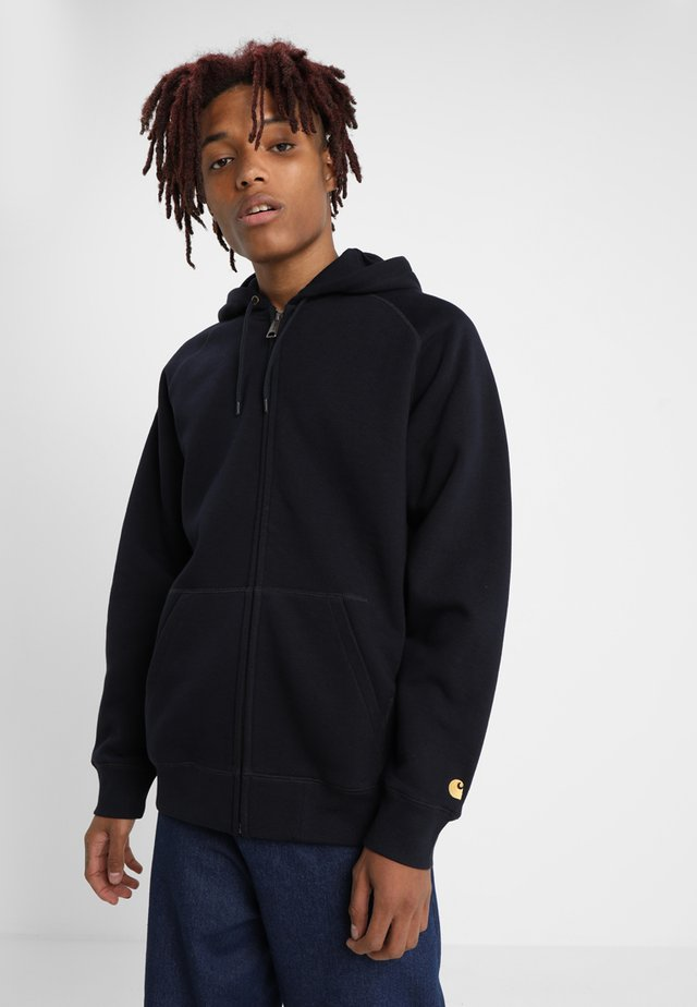 HOODED CHASE - Sweat à capuche - dark navy/gold