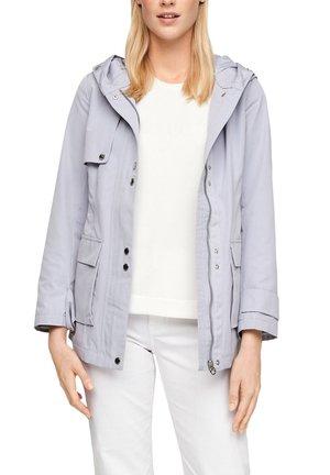 MIT NETZ-FUTTER - Waterproof jacket - lilac