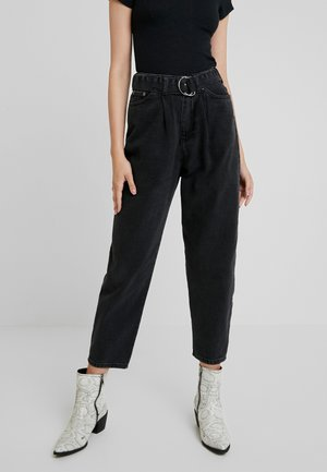 PANTS WITH BELT - Relaxed fit jeans - black