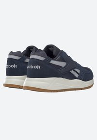 Reebok Classic - BOLTON ESSENTIAL - Trainers - heritage navy - 2