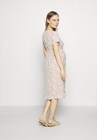 MAMALICIOUS - MLCAMMI DRESS - Sukienka letnia - snow white - 2