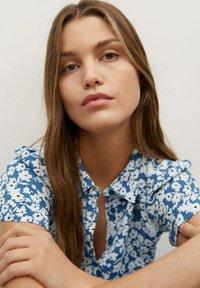 Mango - SHIRTY - Shirt dress - azul - 4