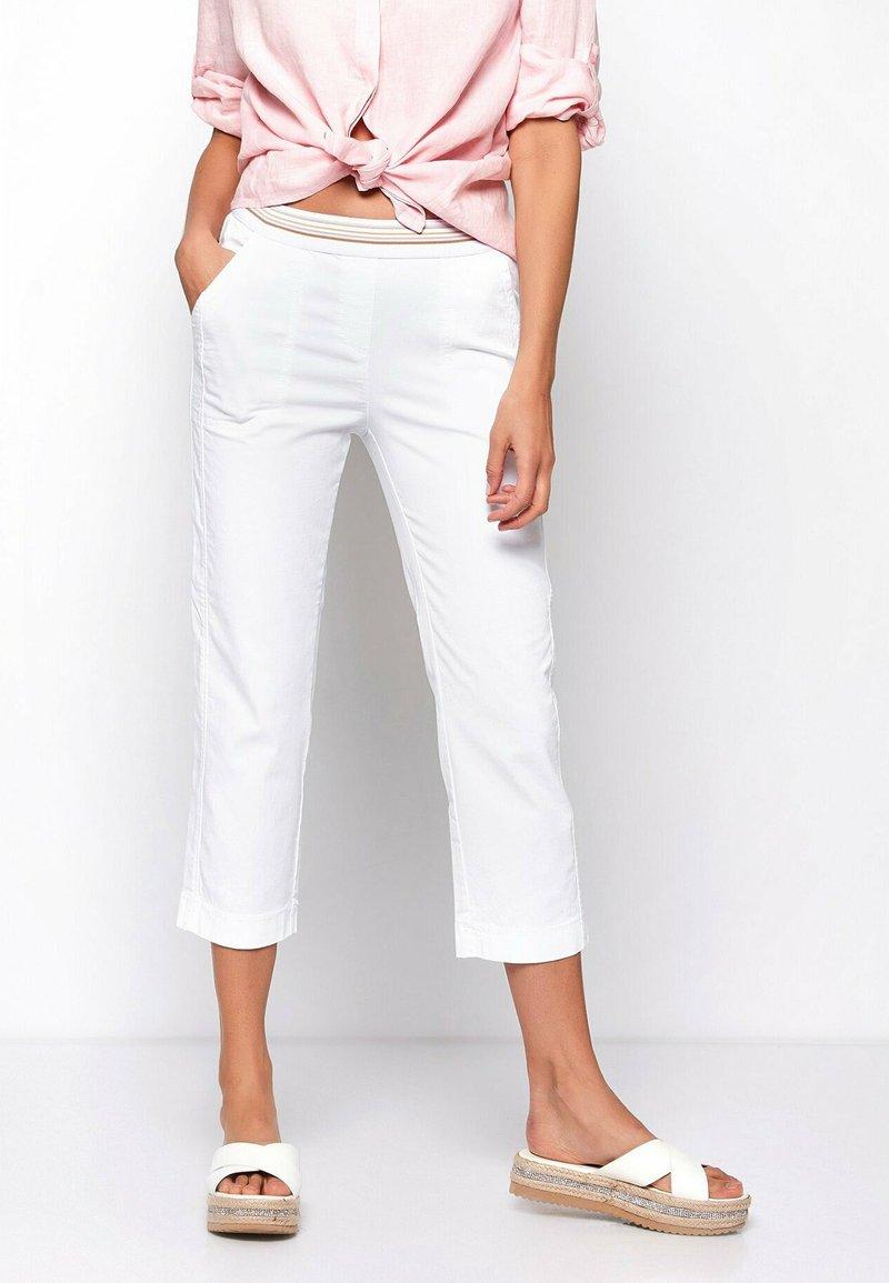 TONI - SUE - Trousers - white