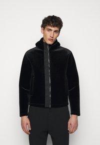 Emporio Armani - Lehká bunda - black - 0