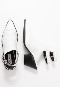 Steve Madden - HIRED - Ankle boots - white - 3
