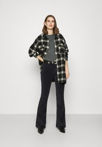 LOIS Jeans - RAVAL - Kalhoty - black - 1