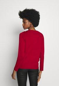 Cortefiel - CREW NECK BASIC - Vest - red - 2