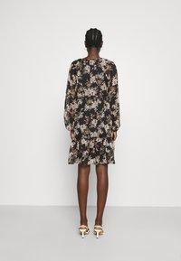 Vero Moda - VMFRIDA V NECK SHORT DRESS - Day dress - black - 2