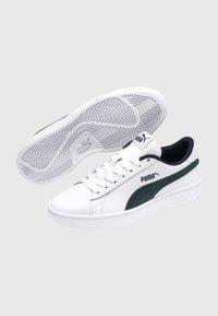 Puma - SMASH  - Trainers -  white/ponderosa pine - 2