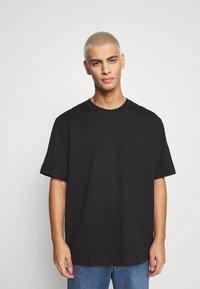 ARKET - Basic T-shirt - black dark - 0