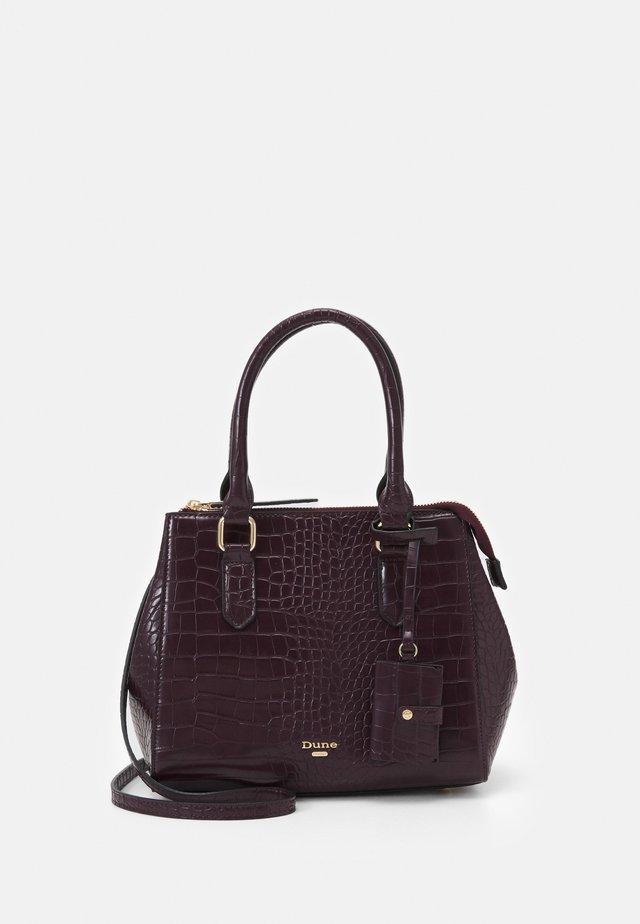 DANVIE - Handbag - berry