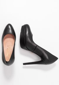Tamaris Heart & Sole - COURT SHOE - Høye hæler - black - 3