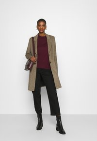 Banana Republic - EASY CREW SOLIDS - Sweter - classic burgundy - 1