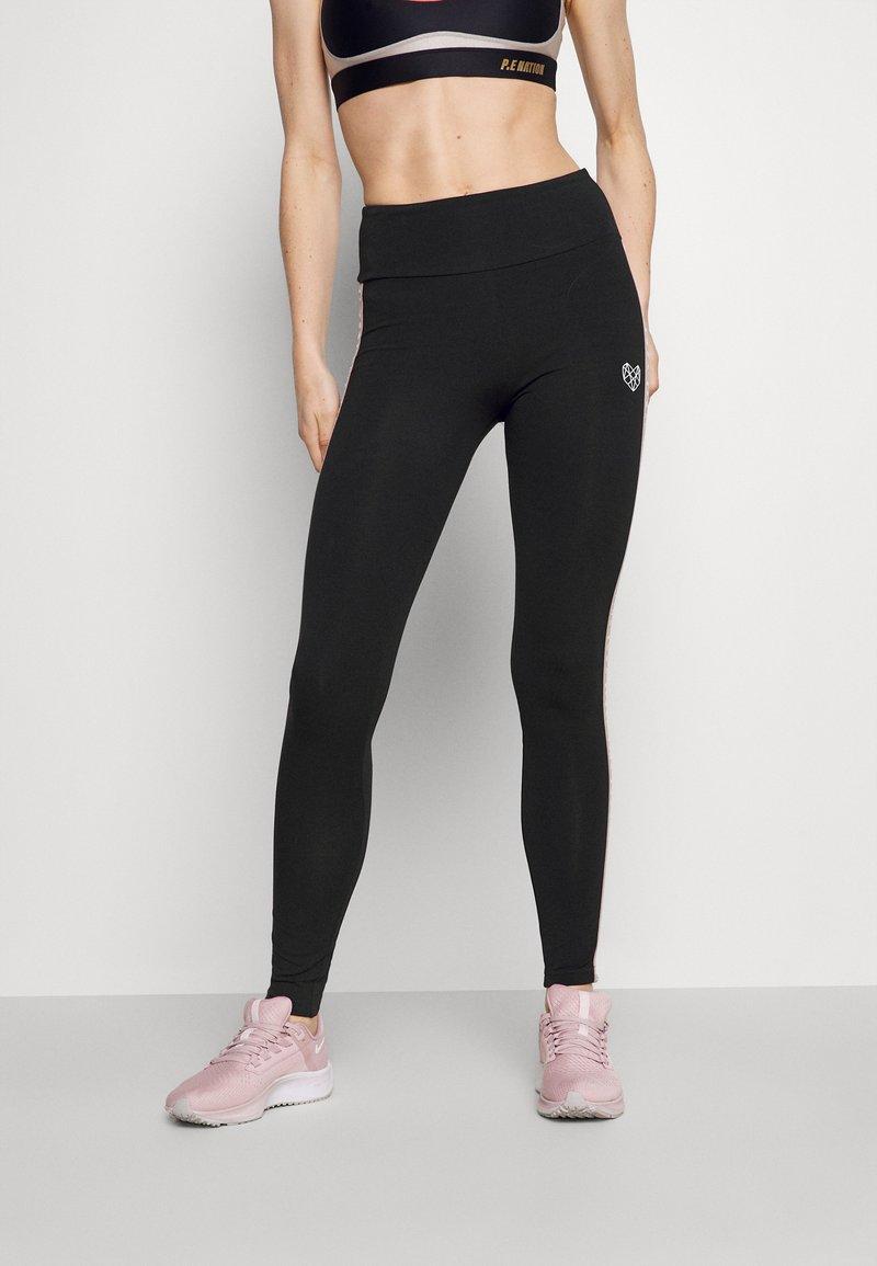 Pink Soda - BAY TAPE LEGGING - Leggings - black