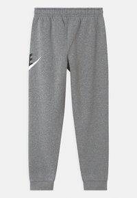 Nike Sportswear - PLUS CLUB - Tracksuit bottoms - carbon/smoke grey - 1