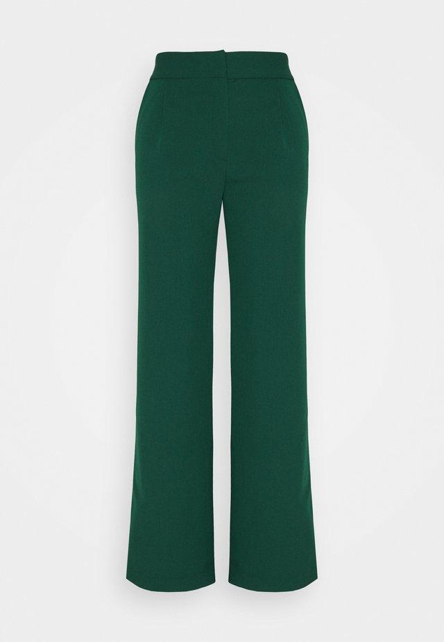 YASBRIZAL WIDE PANTS - Trousers - pineneedle